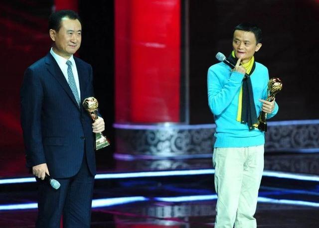 10年赌约将至,王健林赢了,可惜实体店输了