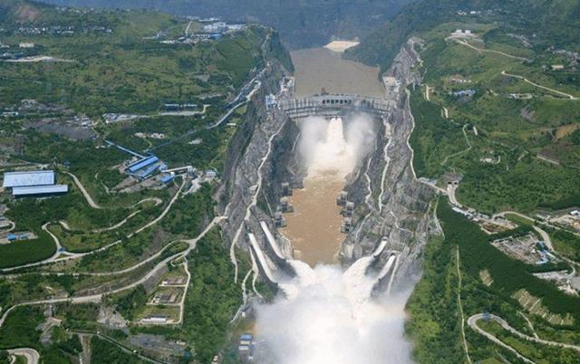 4万亿投资计划,调水600亿立方米,投资4万亿,中国又一超级工程能成功吗?