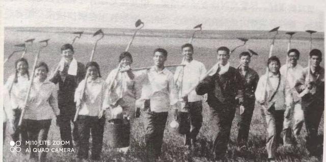 姓高的名人,鹤岗知青高崇辉他有着传奇的人生经历前后受到国家领导人两次接见