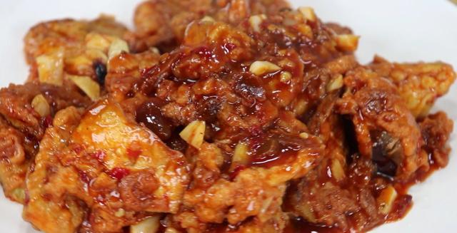 茄子怎么做,茄子好吃,但很多人却不知道怎么做才香,这样做出锅超下饭
