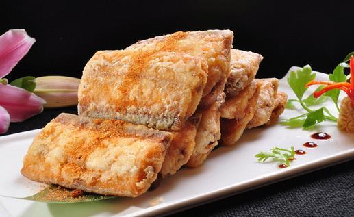 带鱼怎么做,过年家家户户少不了鱼,分享9种带鱼的做法,不腥不腻,皮酥肉嫩