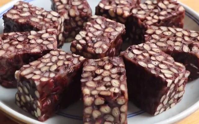 红豆的吃法,自从红豆学会这做法,我家3天2头做,比花生酥简单营养,太馋了