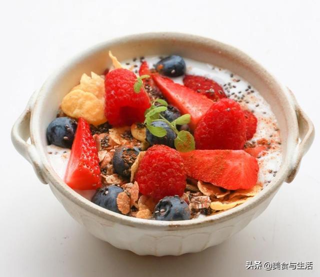 亚麻酸的吃法,5分钟做一道快手甜品,减肥又美容,补充维生素,早餐下午茶皆宜