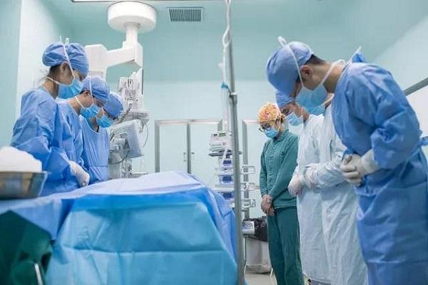 上海出生仅2天婴儿捐出双肾挽救尿毒症患者,成为国内最小捐献者 全球新闻风头榜 第3张