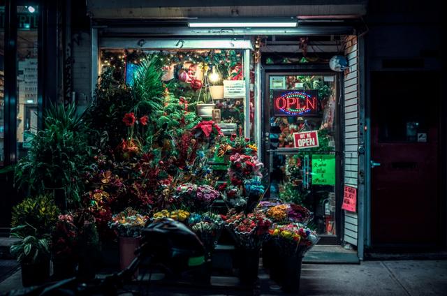 都市卖花生意:在2021,扣响下班人的心门