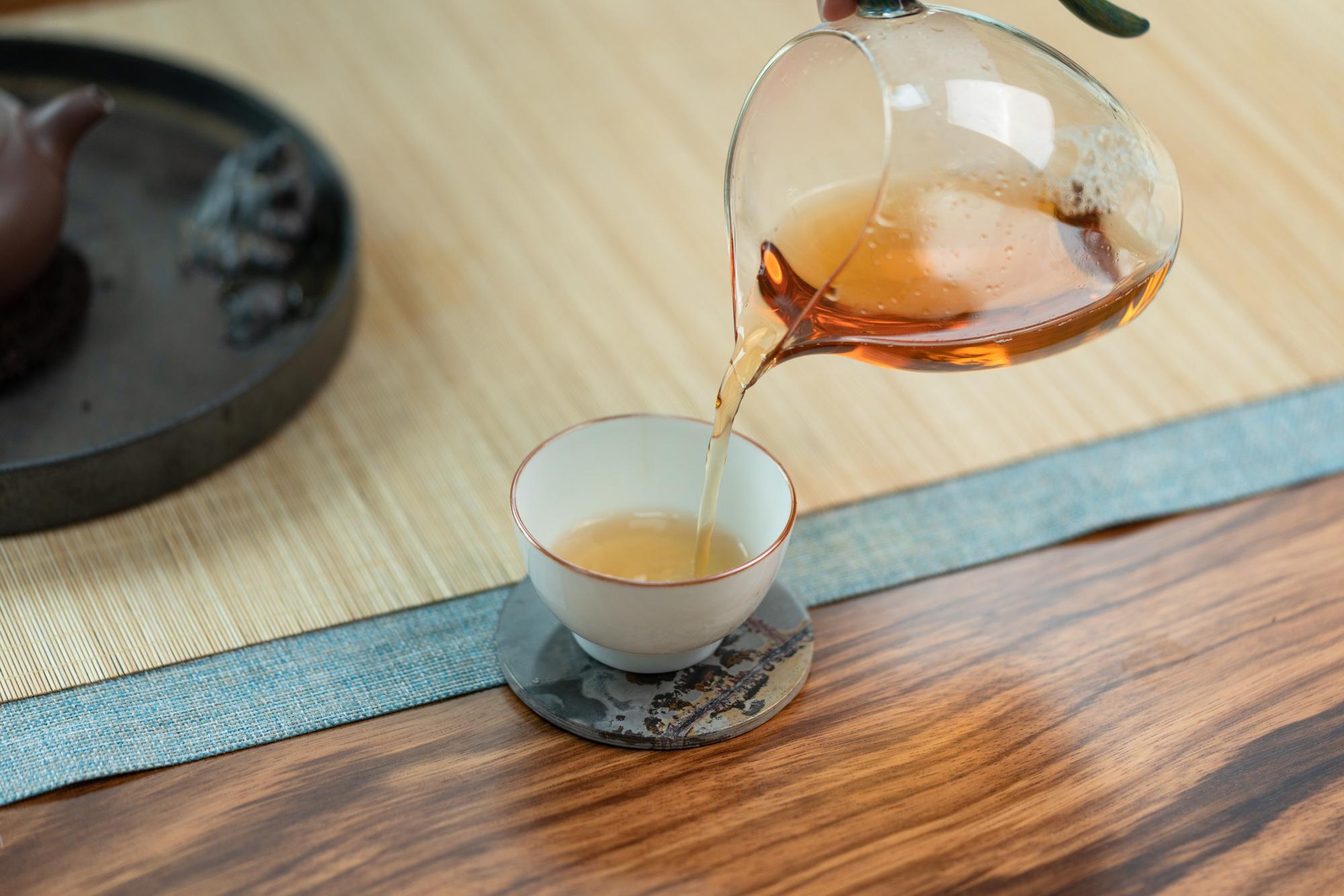 小喜年-为什么男人都喜欢用紫砂壶泡茶?原因主要有四个
