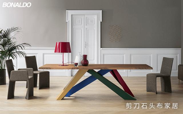 实木餐桌图片,百搭清新的餐桌有多美?