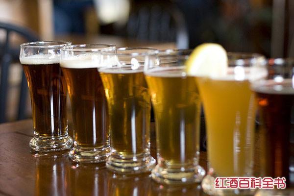 震惊 哪些国家啤酒价格贵翻天?看完也是醉了!