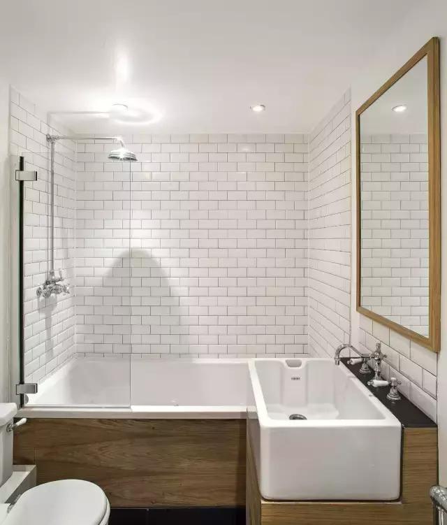 头一回见卫生间这么装,摩登又省钱!买了房我也这么设计