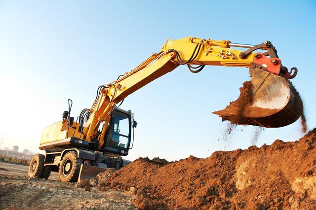 机械人玩具视频挖掘机:几乎每个工程机械人都和它打过交道,二手挖掘机凭什么那么香?