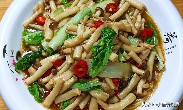 教你素炒蟹味菇的新做法,味道特別的鮮美,爽口滑嫩好吃下飯