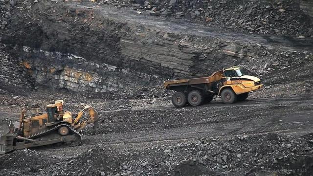 铁矿石价格暴跌,澳大利亚急得跳脚,反华机构:将中国告上世贸