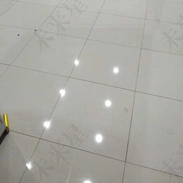 机房陶瓷防静电地板真的防静电吗?