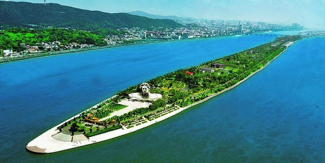 中国最值得游戏的15大景区,10个免费5个性价比超高,你都去过吗