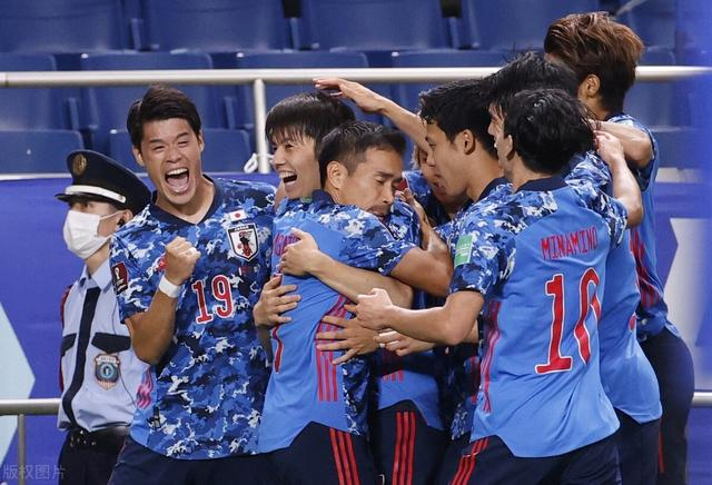 12强赛-日本2-1绝杀取主场首胜止颓,澳洲止3连胜近8场逢日不胜