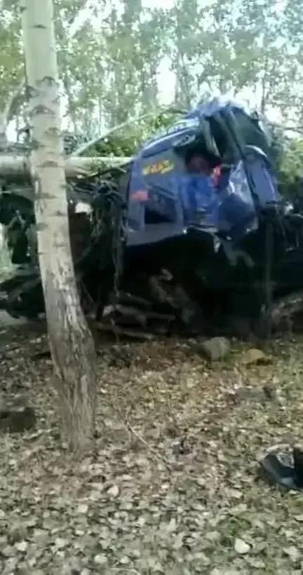 黑龙江省七台河采摘车祸
