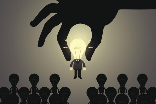 没钱没资源,还想赚大钱?普通人一定要学会,新集体的创业形式