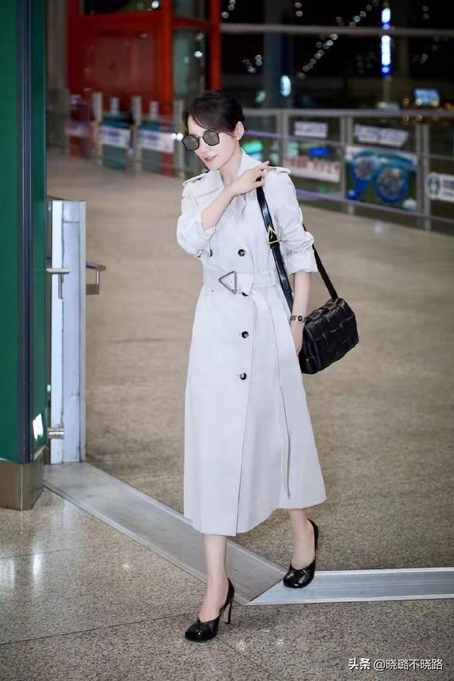 真正见过世面的女人,穿风衣很少配小黑裤,看陈数俞飞鸿就知道了9884 作者:admin 帖子ID:21625