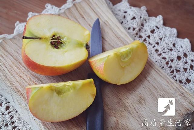 """晚上不能吃苹果?晚上吃这些等于""""慢性自杀""""的谣言,你信过几个?"""