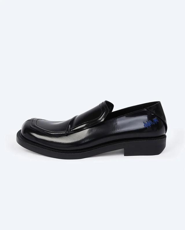 潮流 | 首届Kith Bmw M4比赛举行,Ader Error首个鞋履系列发售  第6张