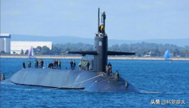 澳大利亚搞核潜艇,纯属小儿玩火!环时:很可能第一批命丧南海