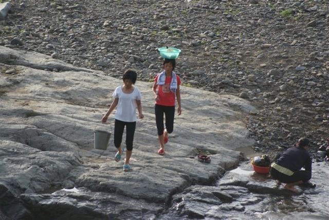朝鲜导游和中国网友座谈,感叹中国女人美满