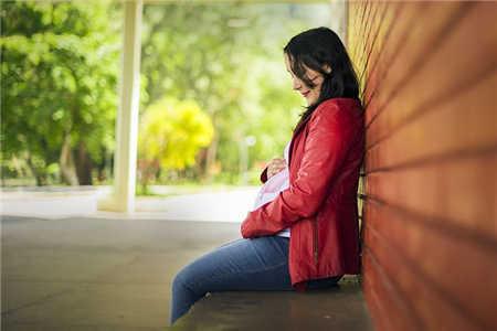 女人肾虚的症状有哪些腰酸是肾虚吗(女人肾虚的症状有哪些吃什么药物)