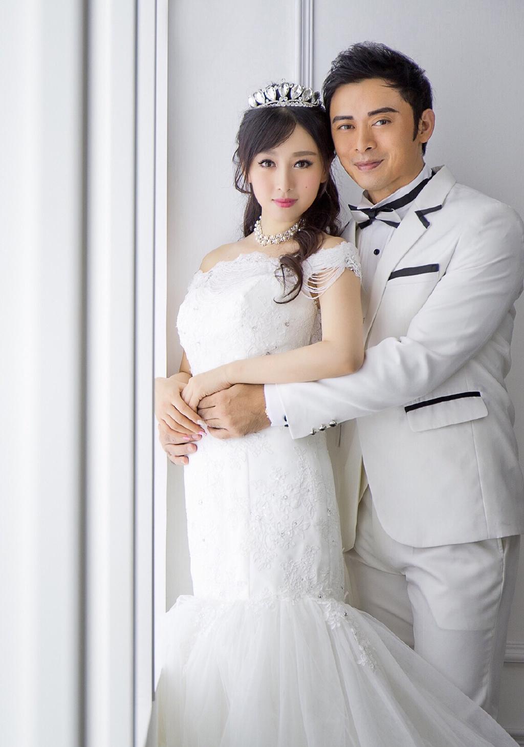 樊少皇分享全家福为二胎庆一周岁,妻子曾抱怨家庭主妇费力不讨好