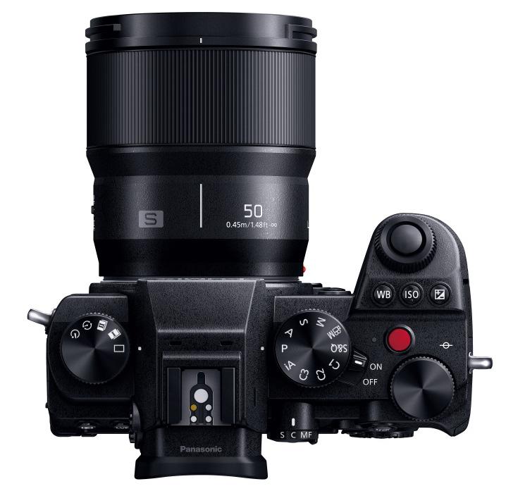 定焦镜头适合拍什么(50mm定焦镜头能拍风景吗)插图(1)