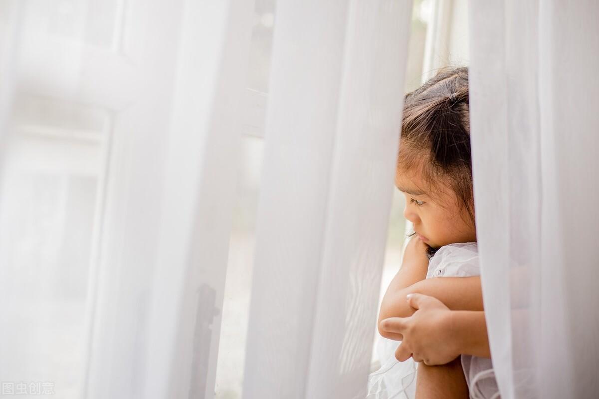 孩子不爱说话、不爱交流,不与人交往就一定是自闭吗?