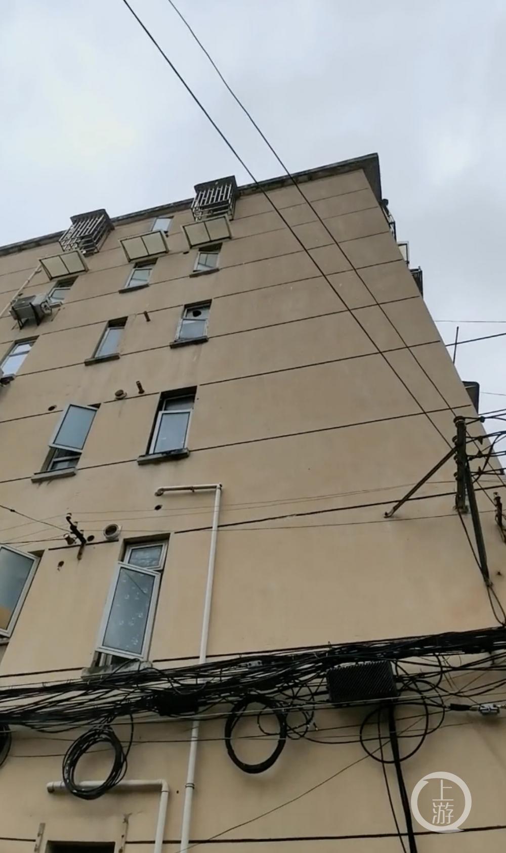 上海一女子遇害后被藏行李箱运到无锡,嫌犯落网,无网传碎尸情节