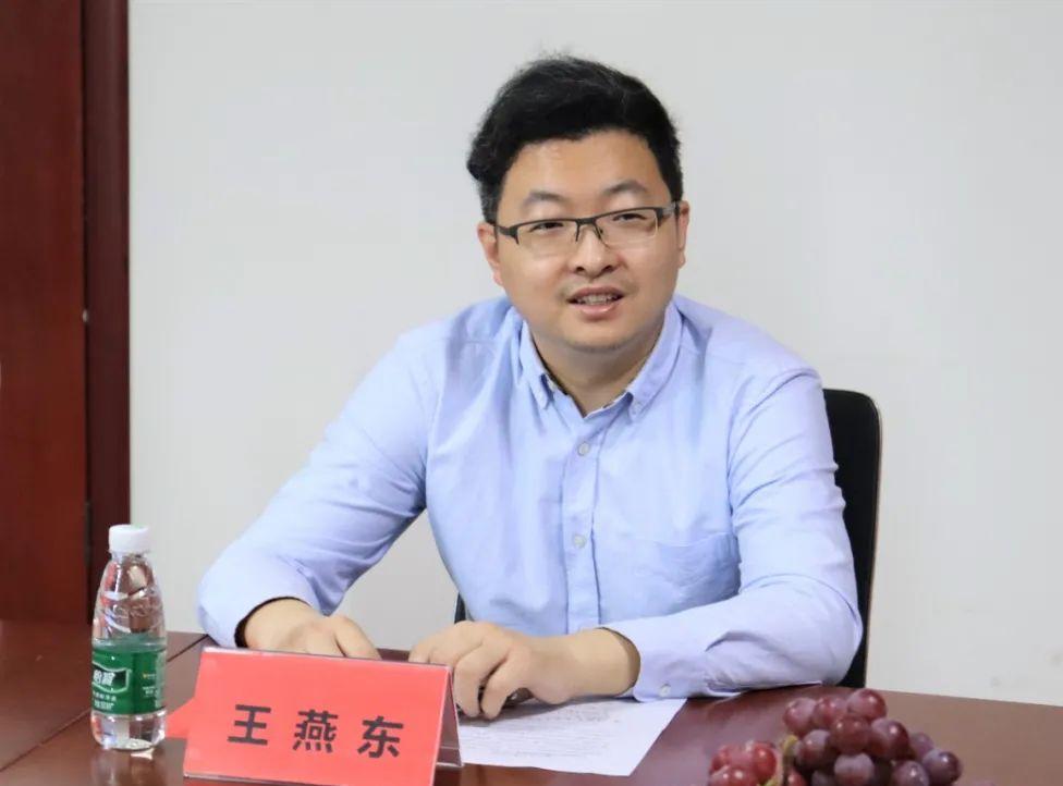 河南工程学院与沁润泽环保签署校企合作协议并授牌(图5)